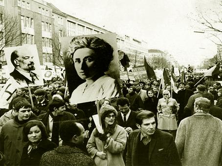 """""""Só o Socialismo está em condições de completar a grande obra da Paz"""""""