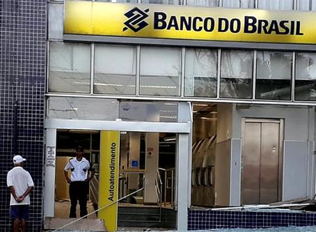 Bancos sobem os juros em meio a crise: quem sofre com isso?