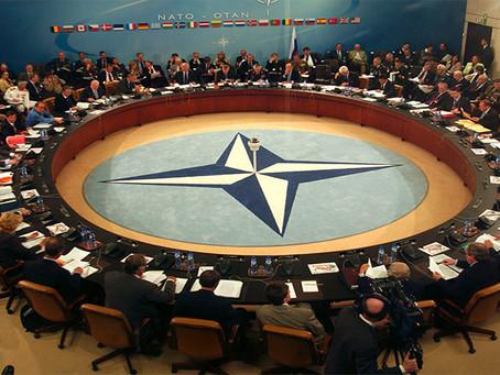 """Losurdo: """"Por que é urgente lutar contra a OTAN"""""""