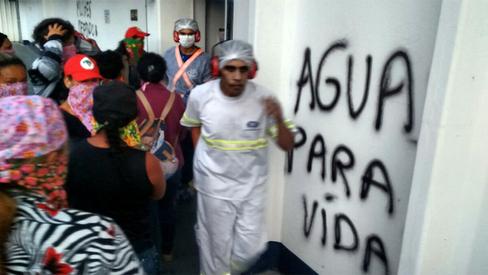 Mulheres do MST ocupam fábrica da Nestlé em MG