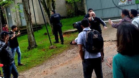 Polícia invade Escola Nacional do MST em ato de intimidação