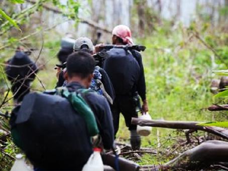 """""""Forças vermelhas filipinas em luta contra a lei marcial de Duterte"""""""