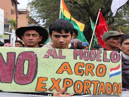 """""""Paraguai: Latifúndio, causa do atraso e do subdesenvolvimento"""""""