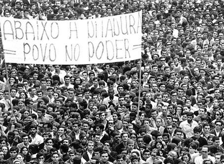 Abaixo a ditadura! Viva à luta do povo! (...)