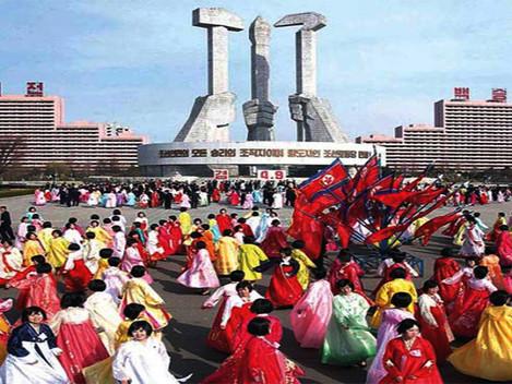 """Coreia Popular: """"Presságios de Paz e Progresso"""""""