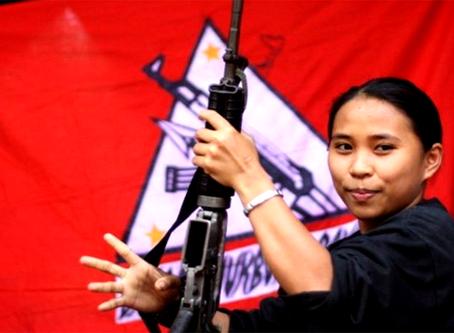 """""""A bandeira do dia da mulher convoca a unir e lutar contra Regime EUA-Duterte!"""""""