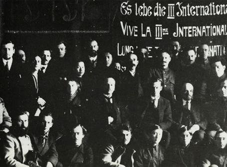"""Gossweiler: """"Dimitrov sobre a dissolução da III Internacional"""""""