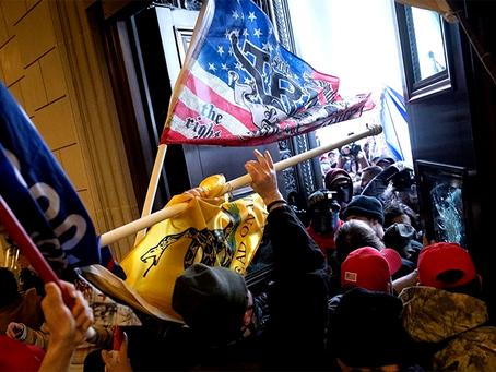 """A invasão do Capitólio, o fascismo e o alarde sobre a tal """"democracia consolidada"""" ianque"""