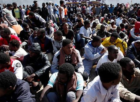 """""""O papel da OTAN no surgimento de mercados de escravos na Líbia"""""""