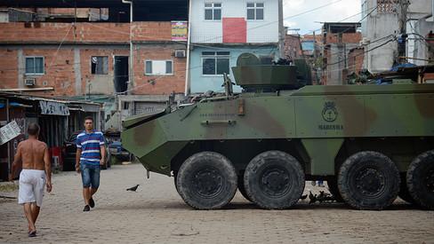 Abaixo à intervenção militar reacionária do governo golpista!