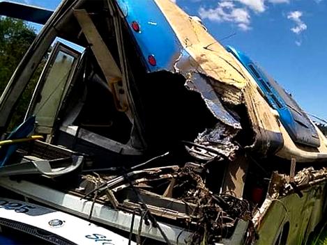 Grave acidente leva à morte 42 trabalhadores e empresa responsável se omite