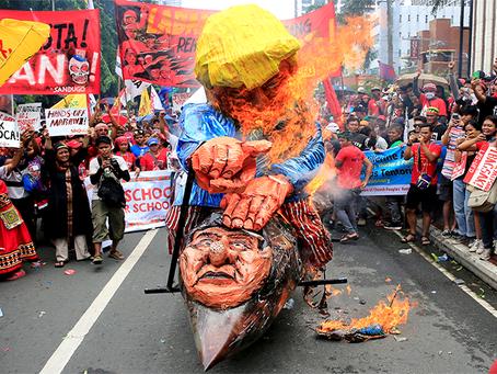 """""""Por fim à lei marcial! Derrubar o regime dos EUA/Duterte!"""""""
