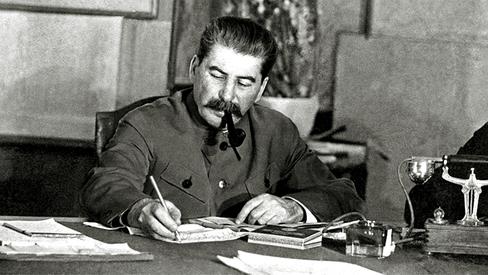 """""""Figuras do Movimento Operário: J.V. Stalin"""""""