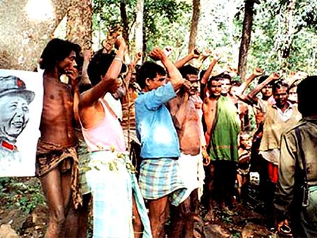 """'Naxalbari Zindabad!' quer dizer 'A Rebelião se Justifica!'"""