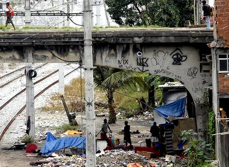 """""""Pobreza e fome em ascensão no Brasil"""""""