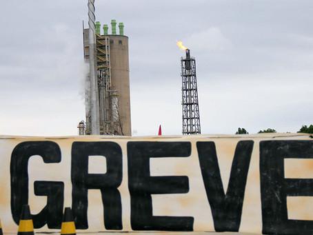 """""""Fortalecer a greve é a resposta da categoria à truculência da Petrobras"""""""