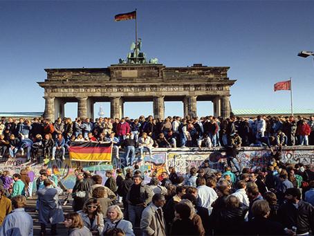 """""""O Muro de Berlim: outro mito da Guerra Fria"""""""