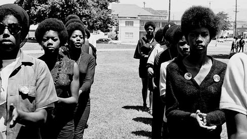 """""""Mensagem às Mulheres Revolucionárias"""""""