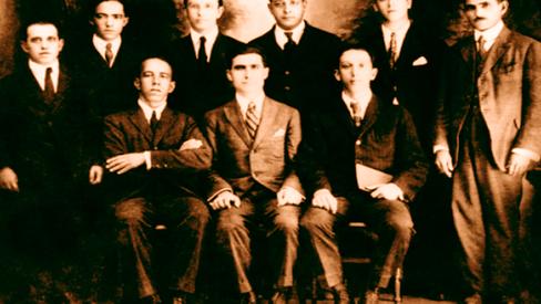 """""""A falsificação em torno da História do Partido Comunista do Brasil (PCB)"""""""