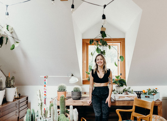 Entry Level: Alice de Crom runs a blooming business with Floralista