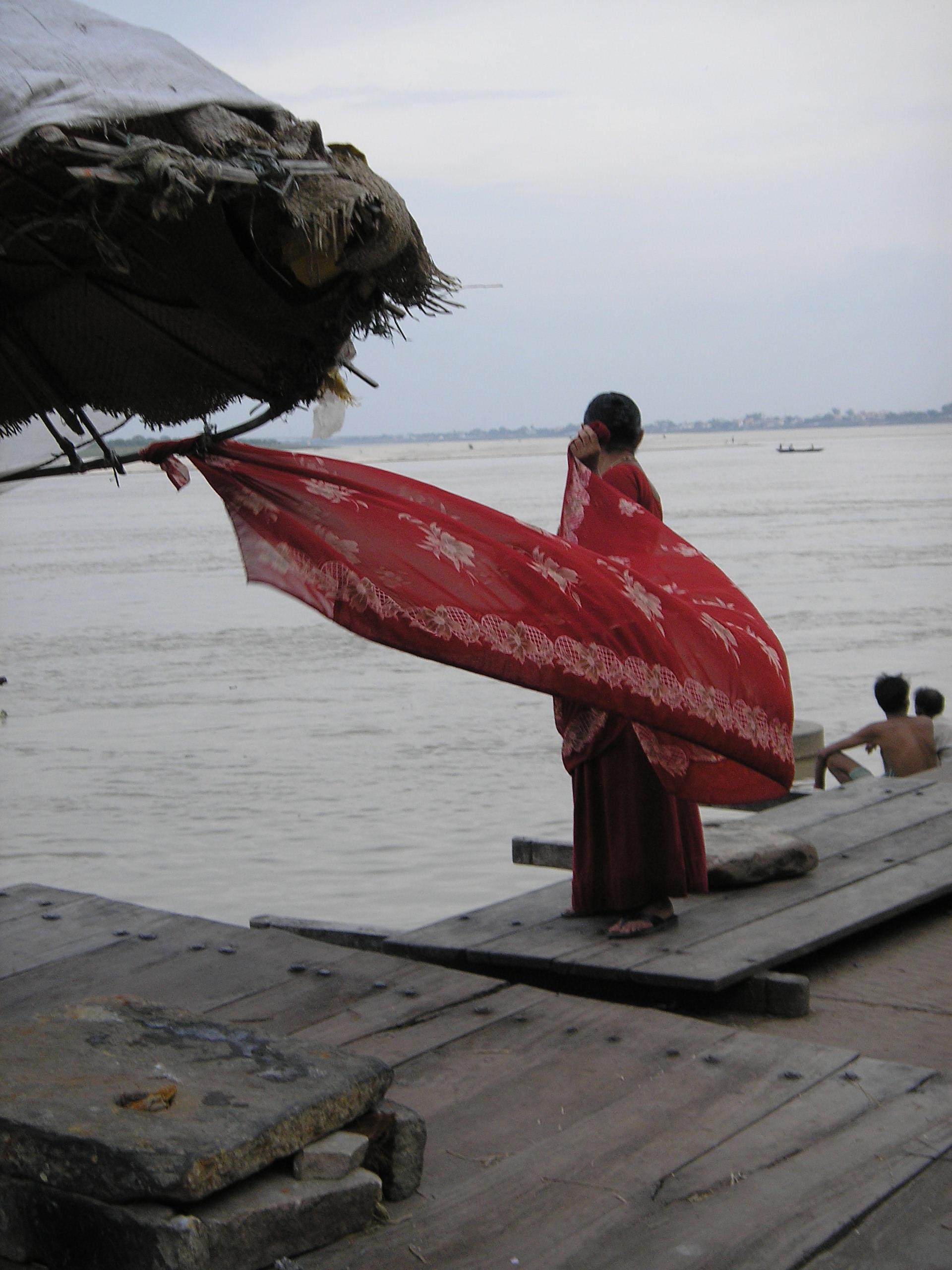 Sari al vento sul Gange