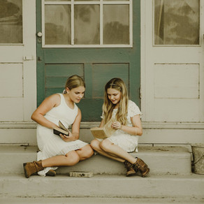 Dreaming in Vintage Lace || Part I