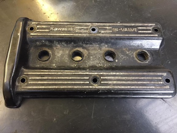 Kawasaki GPX 1000 Cam cover to be blasted