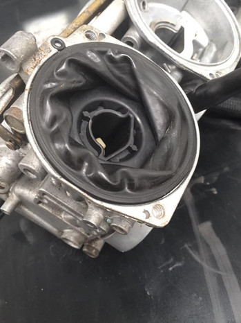1200 Bandit carbs came in for a strip, Ultrasonic clean - Old diaphragms were definitely past their best