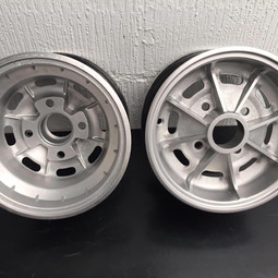 1970s style....... Bond Bug wheels