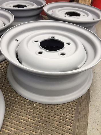 Set of 5 old Land Rover 2a wheels shot blasted