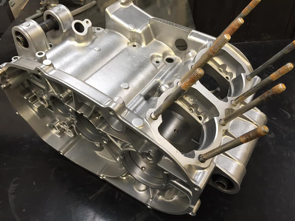 Yamaha RD350LC engine aqua blasted