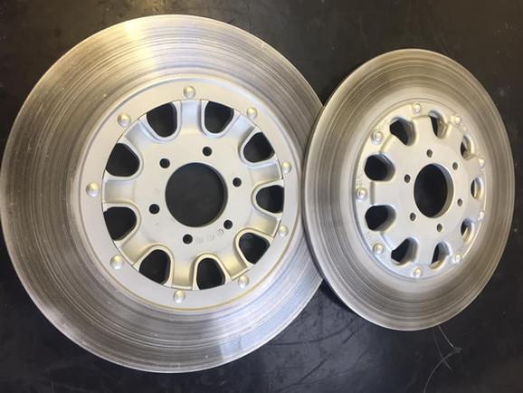 Suzuki GT750 discs inners vapour blasted