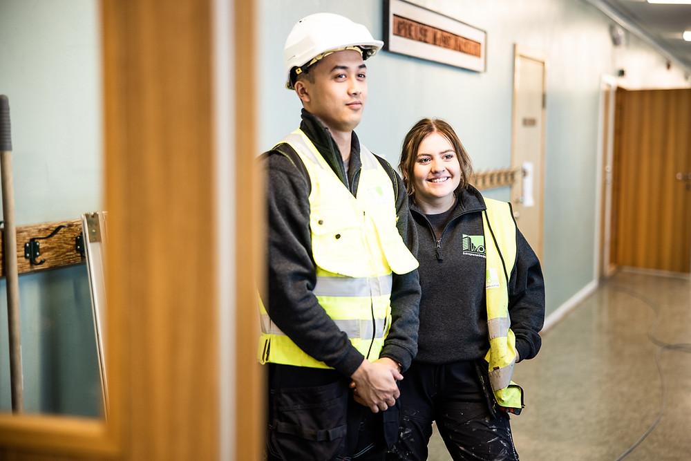 Vuong og Emma fortalte om hverdagen som lærlinger i OSEB, og svarte på spørsmål.