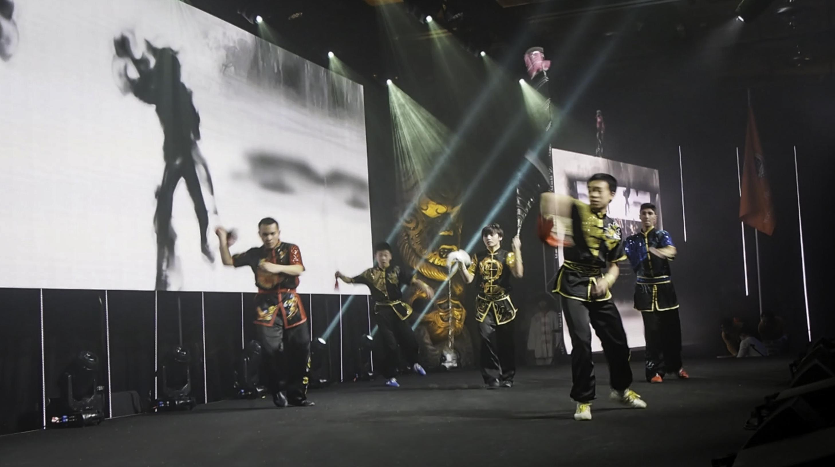 Group Chain Whip Performance Wushu