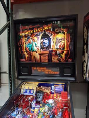 Ripleys 01 Pinball Machine.jpg