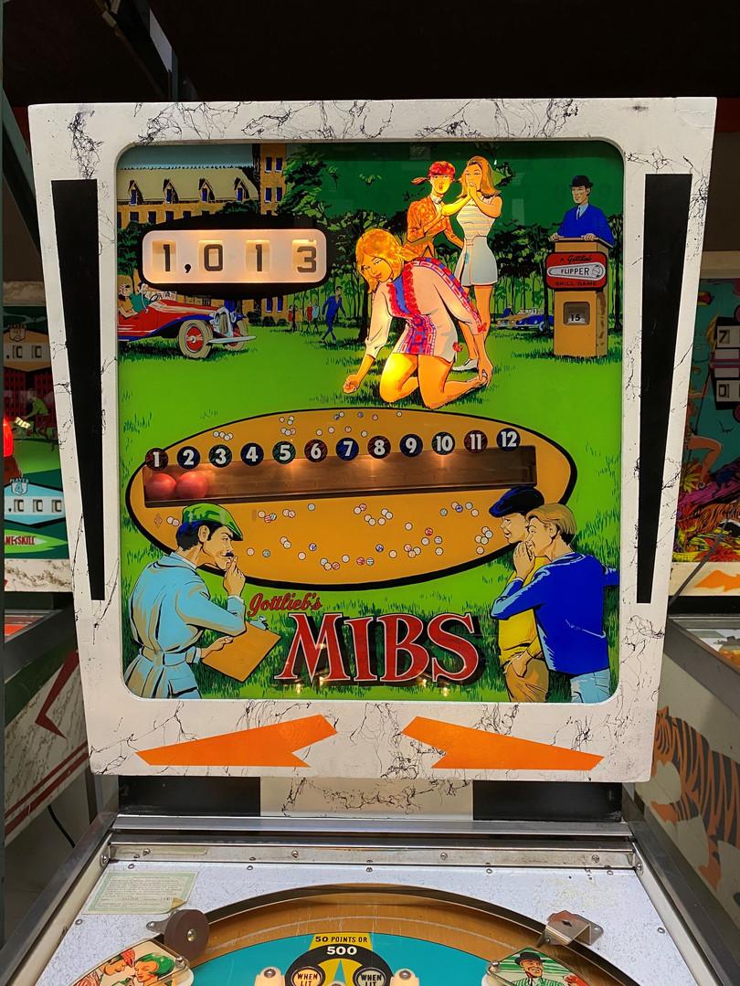 Mibs 01 Pinball Machine.jpg