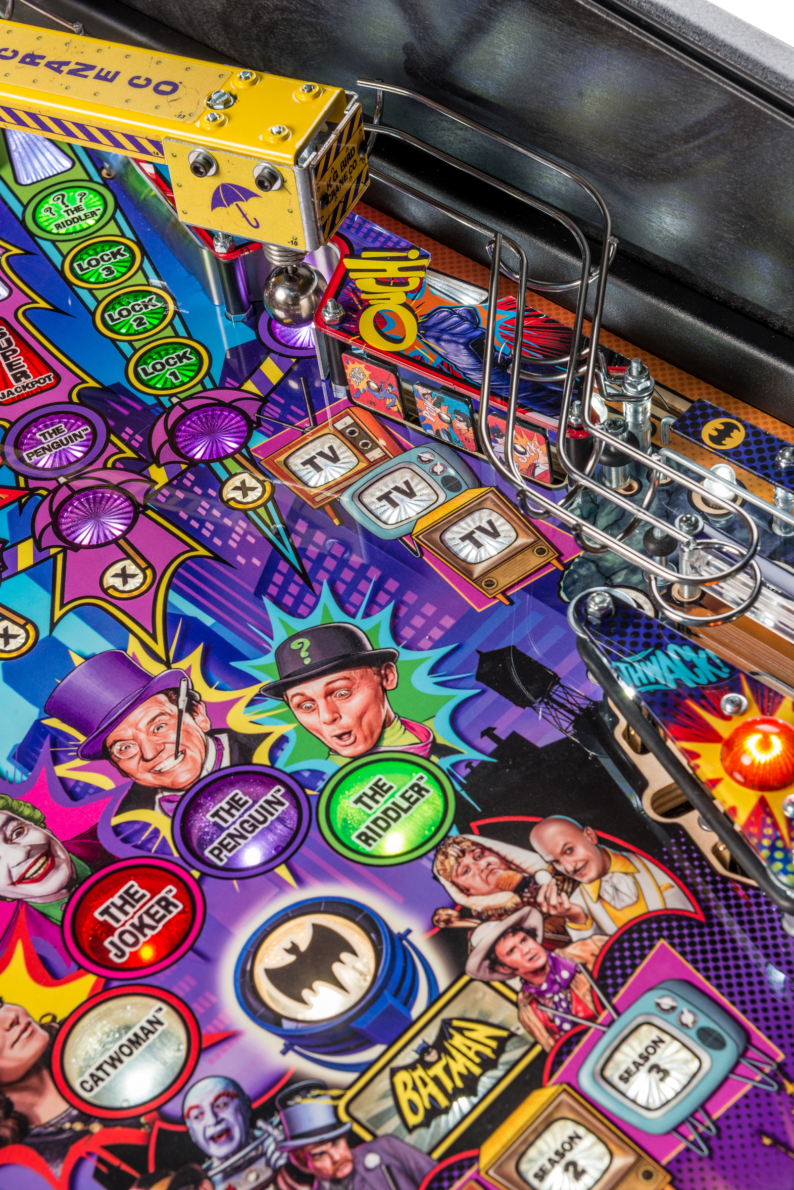 Batman66Premium-Detail-010