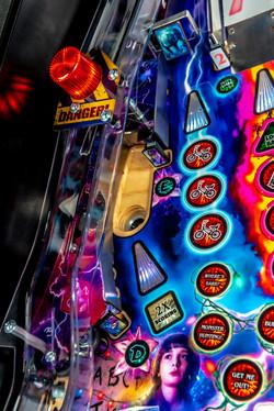 Stranger-Things-Pinball-Machine-Premium-