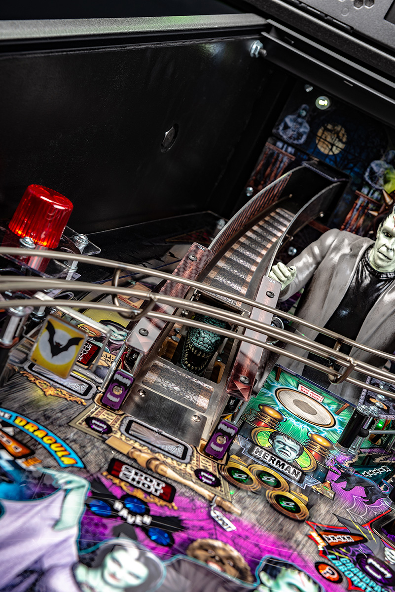 Munsters-Pinball-Pro-Details-02