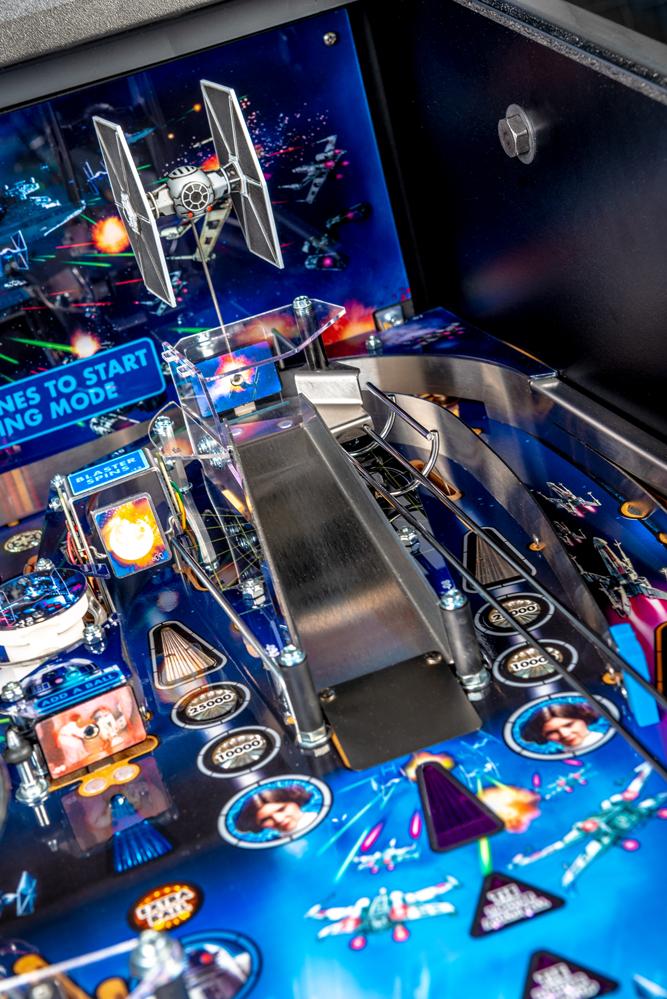 Star_Wars_Pin_Pinball_Machine_12