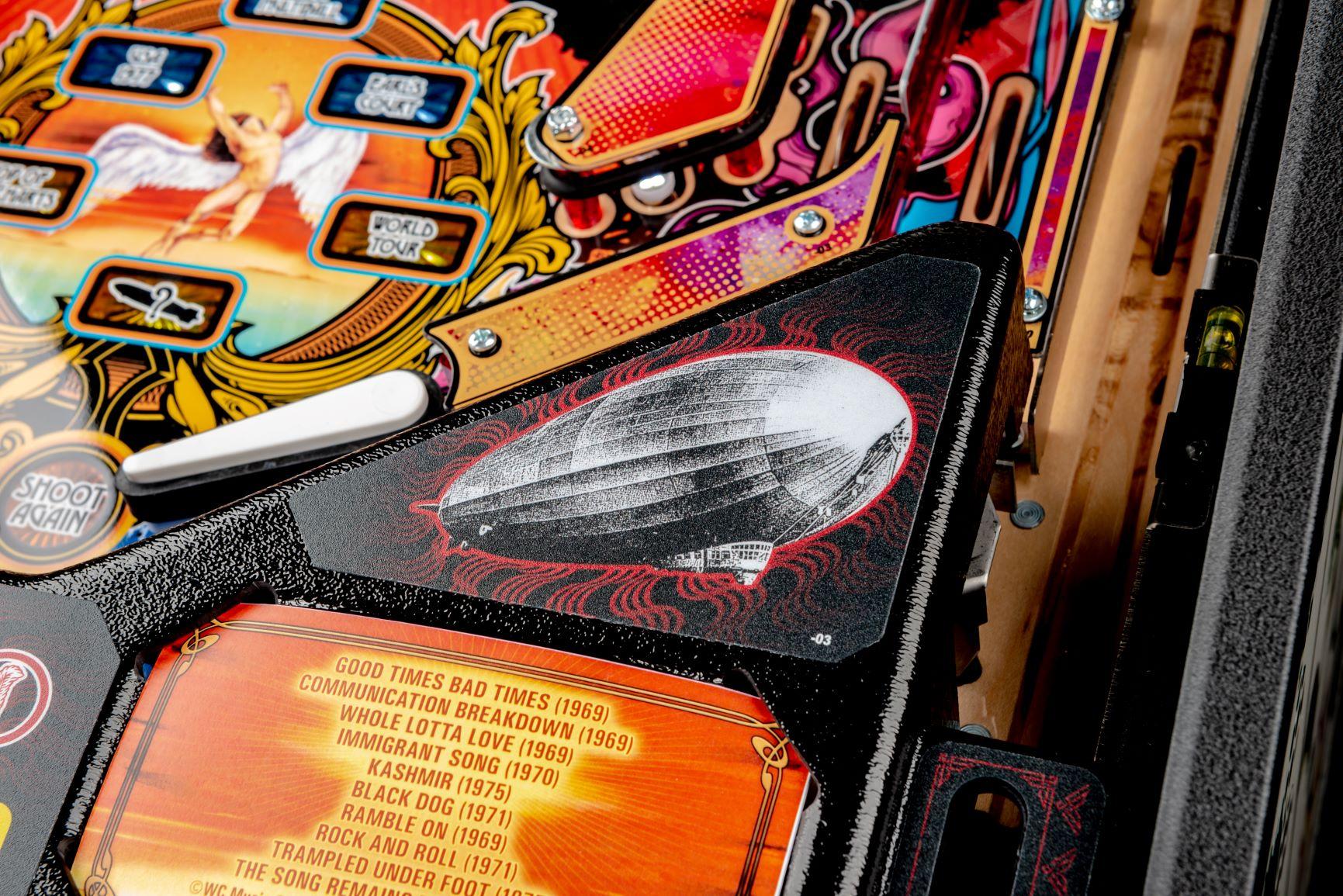 Stern Led Zeppelin Pro Details-Strobe-03
