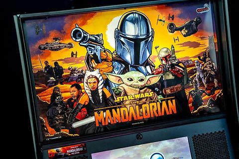 Pinball Pirate Mandalorian Pro 01.jpg
