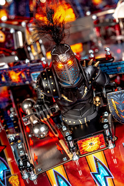 Black-Knight-Premium-Pinball-Machine-10.