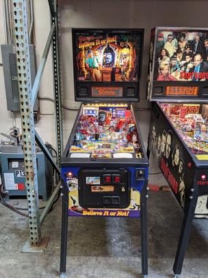 Ripleys 02 Pinball Machine.jpg