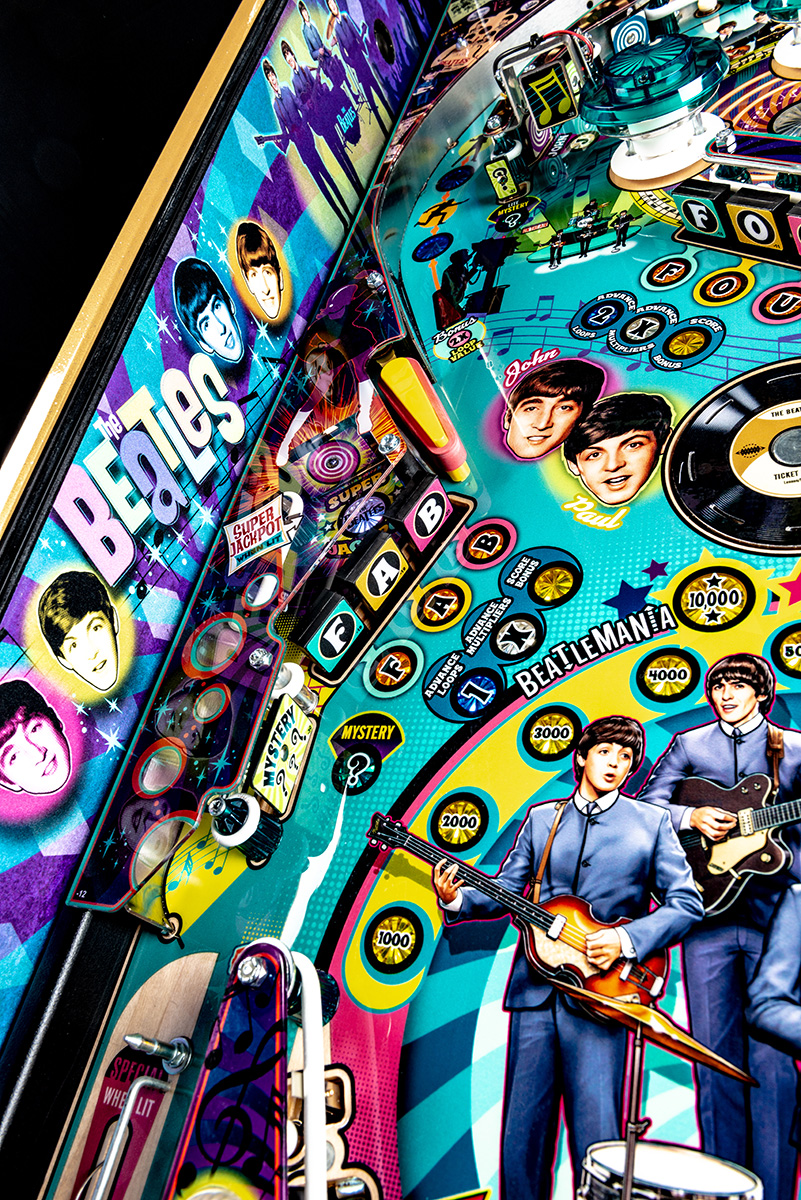 Beatles-Pinball-Machine-Gold-Detail-07