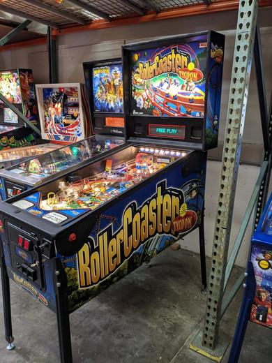 RollerCoasterTycoon_3.jpg