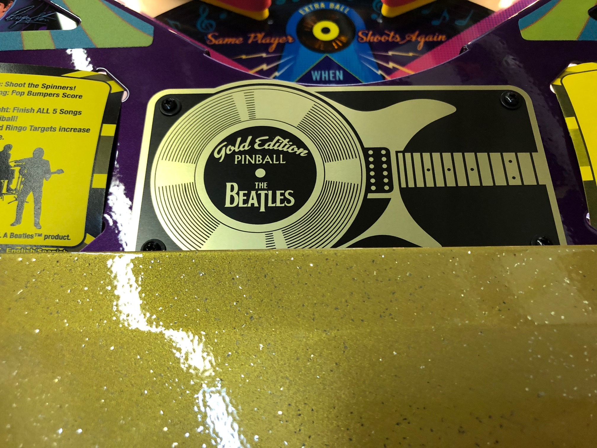 Beatles-Pinball-Machine-Gold