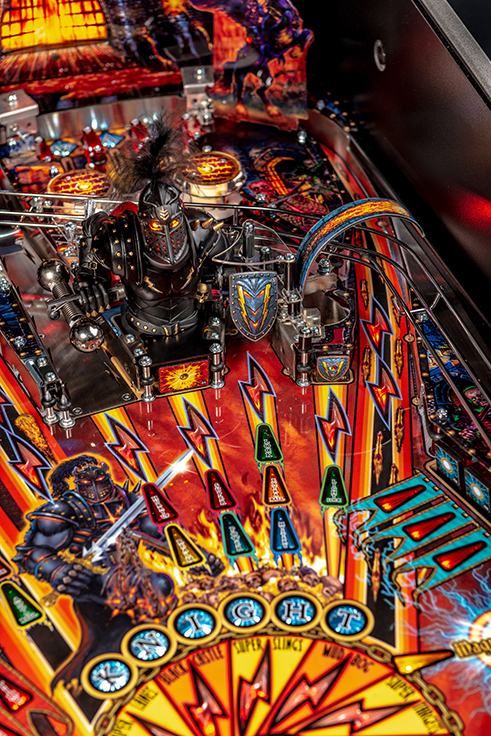 Black-Knight-Pro-Pinball-Machine-05