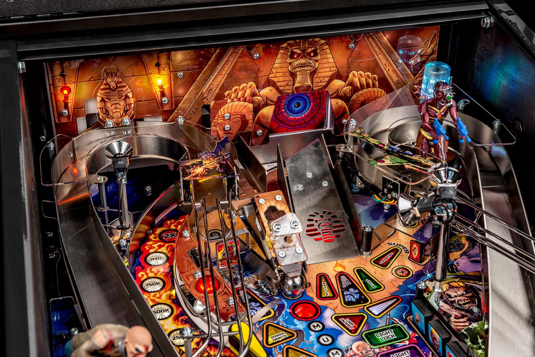 Iron-Maiden-Pinball-Machine-01b