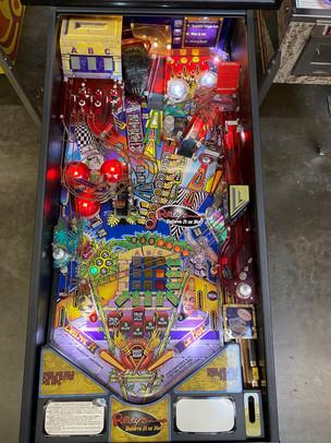 Ripleys 05 Pinball Machine.jpg